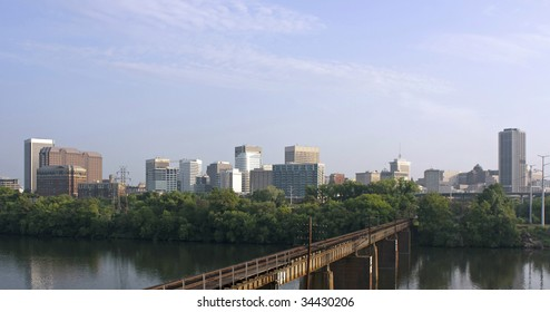 A view of the skyline of Richmond Virginia at sunrise.