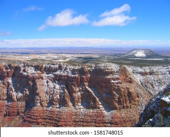 View from South Rim of Grand Canyon with extinct volcano in background, Arizona, USA.