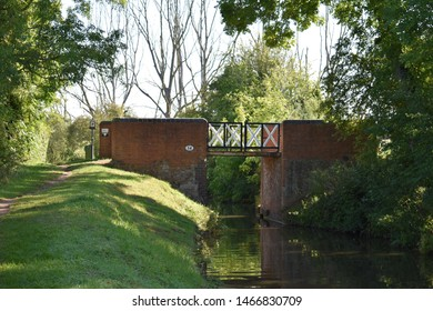 A view of the split bridge on the canal in Stratford upon Avon part of the canal.