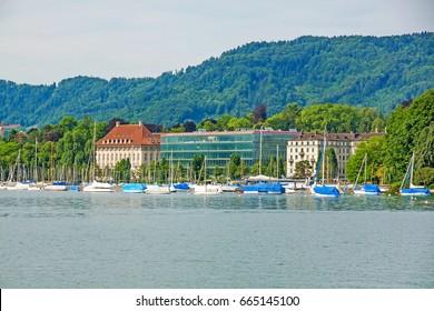 View from square Burkliplatz / Burkliterrasse towards western bank of Lake Zurich, Mythenquai / Enge