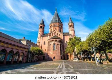 view of the St. Martin's Cathedral in Mainz, Germany