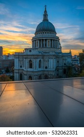 View of  St Paul's cathedral in London at sunset