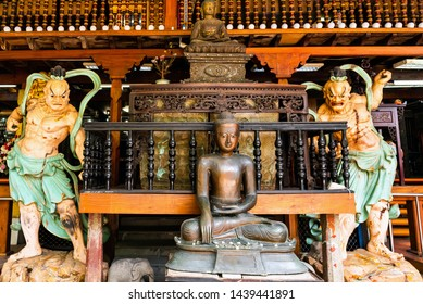 View of the statues in the courtyard of the Gangaramaya Temple, Colombo, Sri Lanka