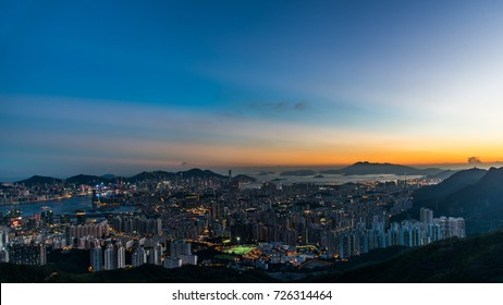 view  sunset  to kowloon  and  hong kong from kowloon  peak