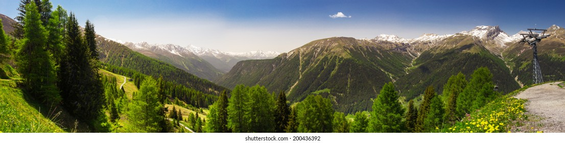 View to Swiss Alps from the top of Rinerhorn mountain, Davos, Grison, Switzerland, Panorama landscape