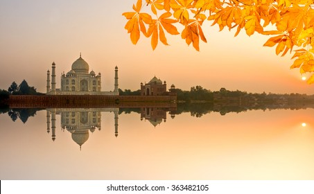 View of Taj Mahal at sunrise, Agra, Uttar Pradesh, India.