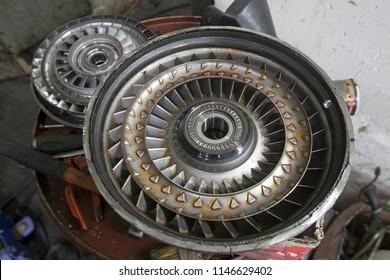 view of the torque converter, split in half