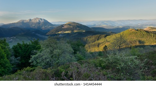 View of Udalaitz and Murugain from Durakogain in Alava, Basque Country .