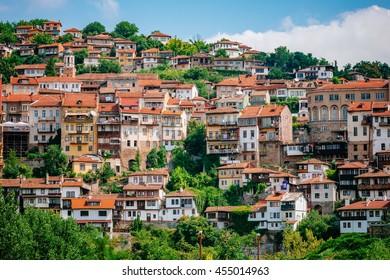 ブルガリア中北部の都市、ベリコ・タルノボの景色