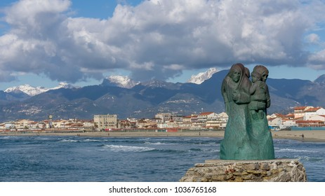 View of Viareggio and of the statue called L'attesa by Inaco Biancalana, Lucca, Tuscany, Italy