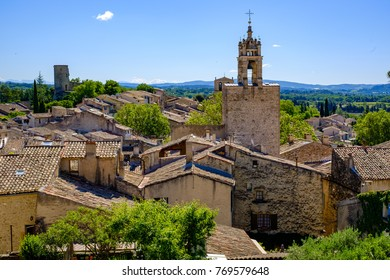 View of the village of Cucuron, Provence, Luberon, France.