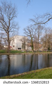 View from the Weimarhallenpark to the new Bauhaus Museum in Weimar
