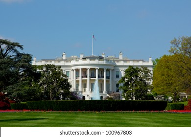 View of The White House at 1600 Pennsylvania Avenue, Washington, DC.