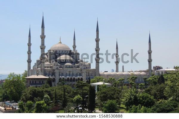 view-wonderful-blue-mosque-600w-15685308