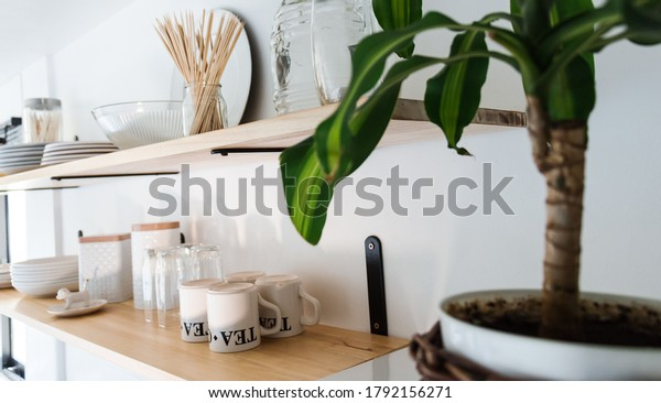 view-wooden-shelves-bright-white-600w-17