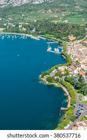 Viewpoint to the beautiful lake Garda - Vacation in Italy, Garda