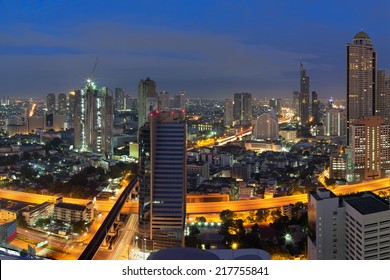 Views of Bangkok Residential district with expressway During morning twilight