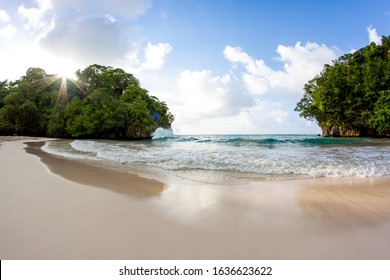 Views of the Frenchman's Cove beach with turquoise water in Jamaica Portland