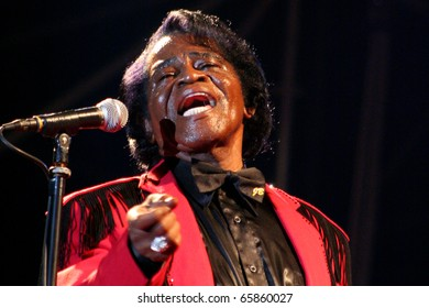 VIGEVANO, ITALY - JUL 21: James Brown during the concert at the castle of Vigevano on July 21, 2006  in Milan, Italy