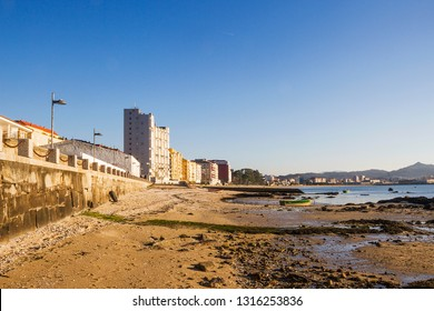 Vilagarcia de Arousa seafront and boardwalk from Compostela beach