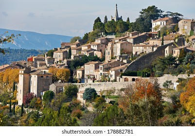 Village Bonnieux in autumn season, typical Provence rural scene from South France, Luberon region
