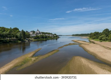 The village Candens Saint Martin and the Loire in France.