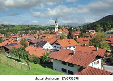 Dorf Nesselwang in Allgaeu, Bayern, Deutschland