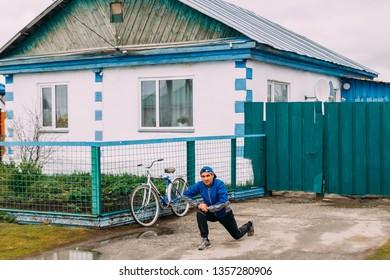 "the village of Paris, Russia - 26 May 2018 sports race ""Paris half marathon"". warmup"