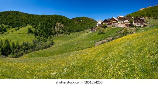 The village of Souliers in Summer in the Queyras Regional Natural Park. Hautes-Alpes (05), European Alps, France