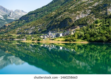 A village in the spanish pyrenees, Lanuza.
