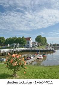 Dorf Toenning auf der Halbinsel Eiderstedt, Nordsee, Nordfrieren, Schleswig-Holstein, Deutschland