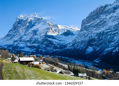 Village, Wetterhorn and Mattenberg in autumn, Grindelwald, Berner Oberland, Canton of Bern, Switzerland