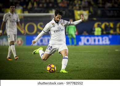 VILLARREAL, SPAIN - FEBRUARY 26: Isco during La Liga match between Villarreal CF and Real Madrid at Estadio de la Ceramica on February 26, 2017 in Villarreal, Spain