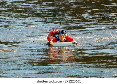 VILNIUS, LITHUANIA - JUNE 6 : Vilnius city open sport event Vilnius challenge. The race in the Neris river on June 6, 2015, Vilnius, Lithuania. Vilnius Challenge is an urban multi-sport race.