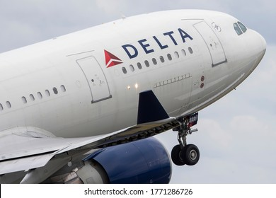 Vilnius/Lithuania July 7, 2020 N861NW DELTA AIR LINES AIRBUS A330-200