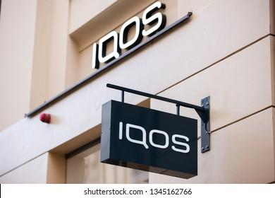 Fotos, imágenes y otros productos fotográficos de stock sobre Logo