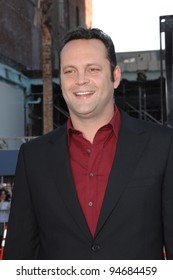 """Vince Vaughn at the Los Angeles premiere of his new movie """"Fred Claus"""" at Grauman's Chinese Theatre, Hollywood, CA. November 3, 2007  Los Angeles, CA Picture: Paul Smith / Featureflash"""