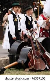 VINKOVCI, CROATIA - SEPTEMBER 13:  unidentified participants in Croatian national costume, during the Vinkovacke jeseni (Vinkovci Autumn Festival) on September 13, 2009 in Vinkovci, Croatia.