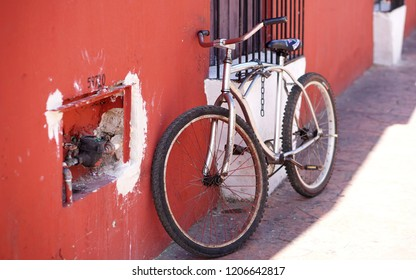 Vintage bicycle, Cancun Mexico
