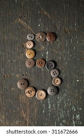 Vintage Buttons in the Number 5