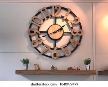 Vintage clock,break time