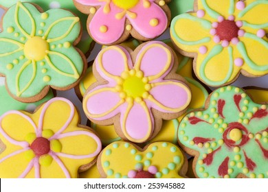 Vintage Easter flower traditional Gingerbread cookies background
