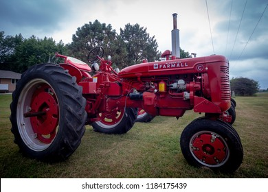 "Vintage Farmall Super ""C"" International Tractor, Crofton Nebraska USA, 08/29/2018"