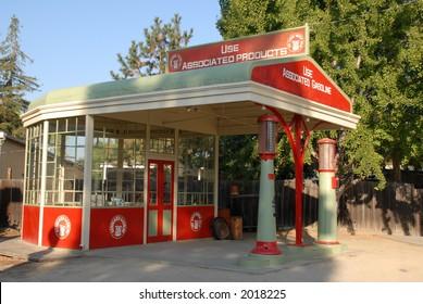 Vintage Gas Station (2)