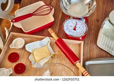 Vintage Kitchen Scale / christmas baking
