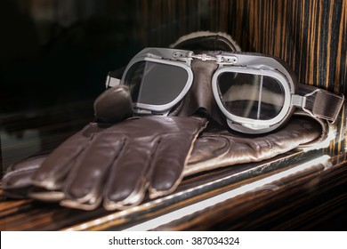 Vintage  leather race goggles. Pilot goggles , with glove