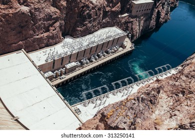 Vintage looking image of the Hoover Dam