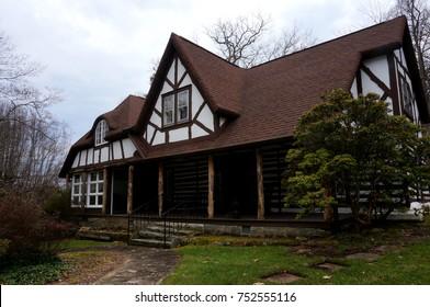 Vintage Mountain House in Laurel Park North Carolina
