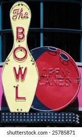 Vintage neon sign 'The Bowl'