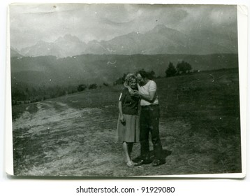 Vintage photo of couple outdoor (fifties)